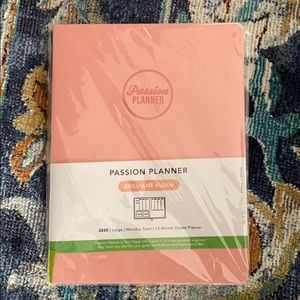 Passion Planner Brilliant Blush Large Monday 2020